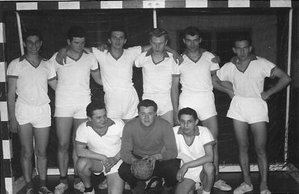 In der Saison 1963/64 konnte die 1. Herren die Kreismeisterschaft in der Halle erringen