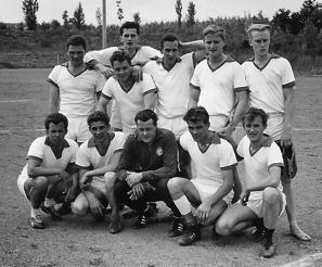 Auf dem Großfeld spielte man mit folgender Mannschaft