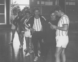 Bei der Pokalübernahme nahmen teil
