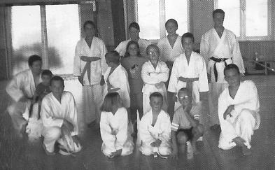 Im März startete eine neue Gruppe um Frank Vetter mit dem Karatesport.