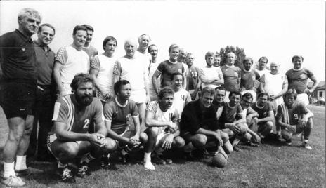 Zur Sportwoche des TSV Ehmen wurde eine Freundschaftsbegegnung gegen die Deutsche Meistermannschaft auf Großfeld von 1963, VfL Wolfsburg, ausgetragen