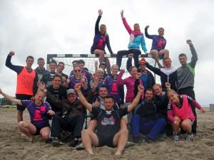 Pink Pirates und Flachzangen beim 13. Travemünder Beachhandball-Cup